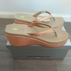 NIB Volatile Wedge Sandals